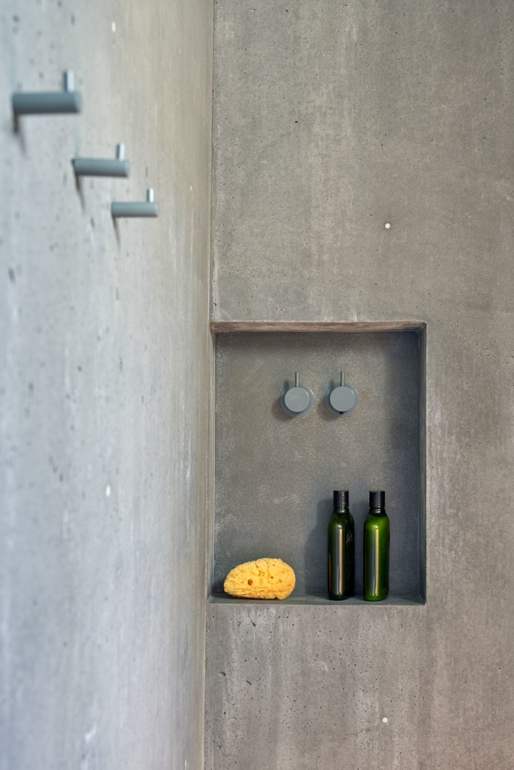 Photo 6 Of 10 In A Concrete Guesthouse Commands A Ridge In Northern In 2020 Concrete Shower Concrete Architect