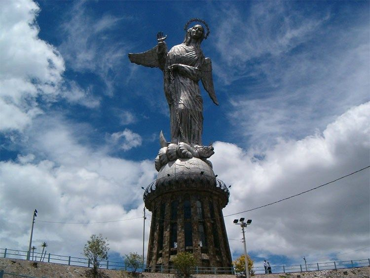 Top 30 Things To Do In Quito Ecuador Travelerguides Net Quito Ecuador Quito Tours