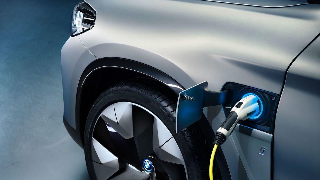 Bmw Ix3 2020 Elektro Suv Mit Benziner Reichweite In 2020 Bmw Auto Motor Sport Bmw X3