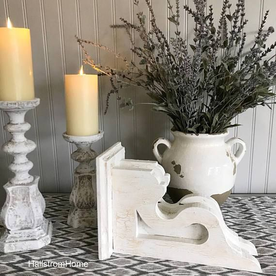 White Chippy Wood Corbel For Farmhouse Style Decor Handmade With Crackle Paint Perfect For Mantels Ti Wal Farmhouse Style Decorating Corbels Crackle Painting