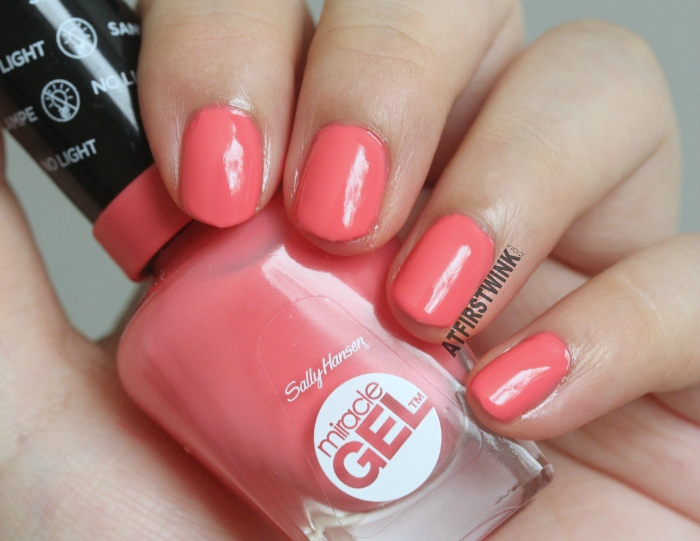 Review Sally Hansen Miracle Gel Nail Polishes Pretty Piggy And Pink Tank