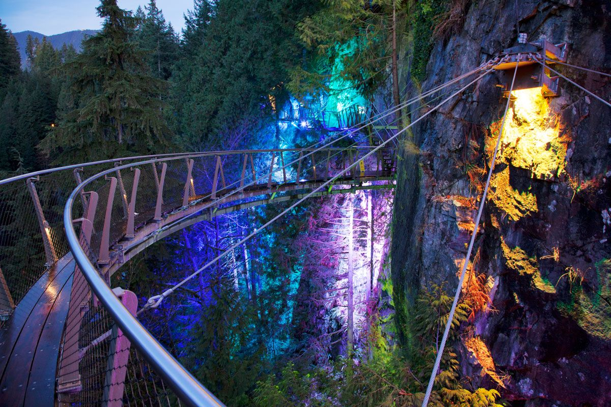 Vancouver Christmas Bridge.Things To Do In Vancouver Canyon Lights Capilano