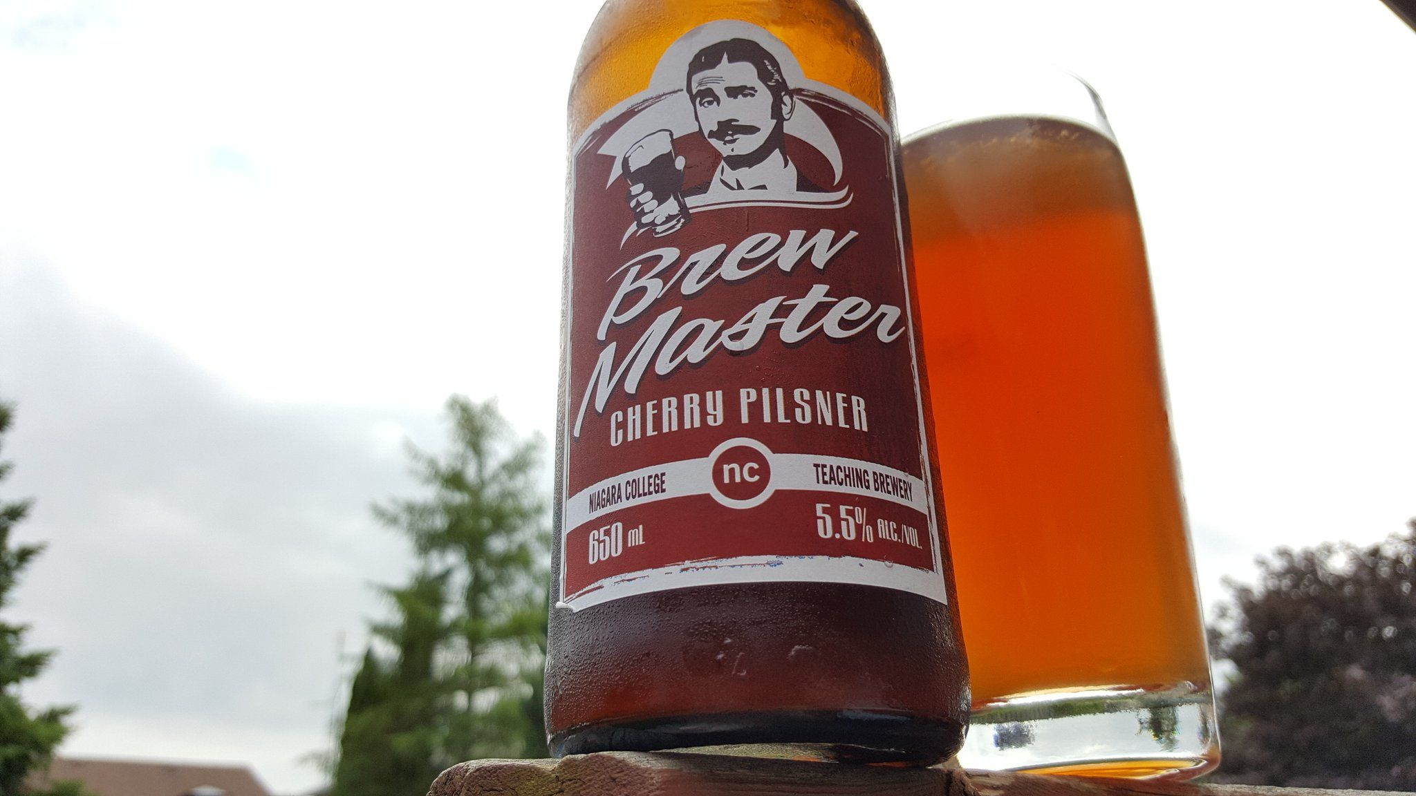 Retweeted Andrew G Kingdomofrawk It S Canadian It S Red And It S Delicious Happycanadaday Canada150 Beeroclock Wine Bottle Craft Beer Rose Wine Bottle