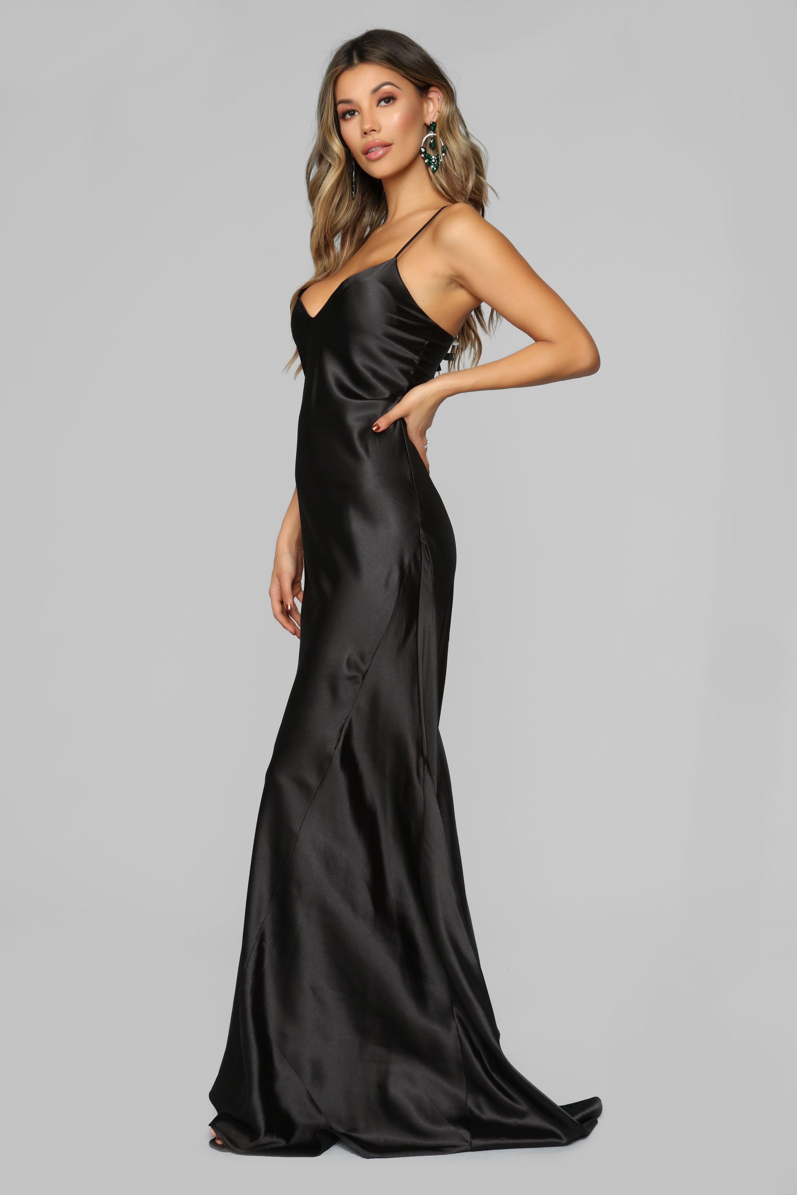 ac2ce7cfb6a6 Figure Hugging Satin Maxi Dress - Black in 2019 | fashion week ...