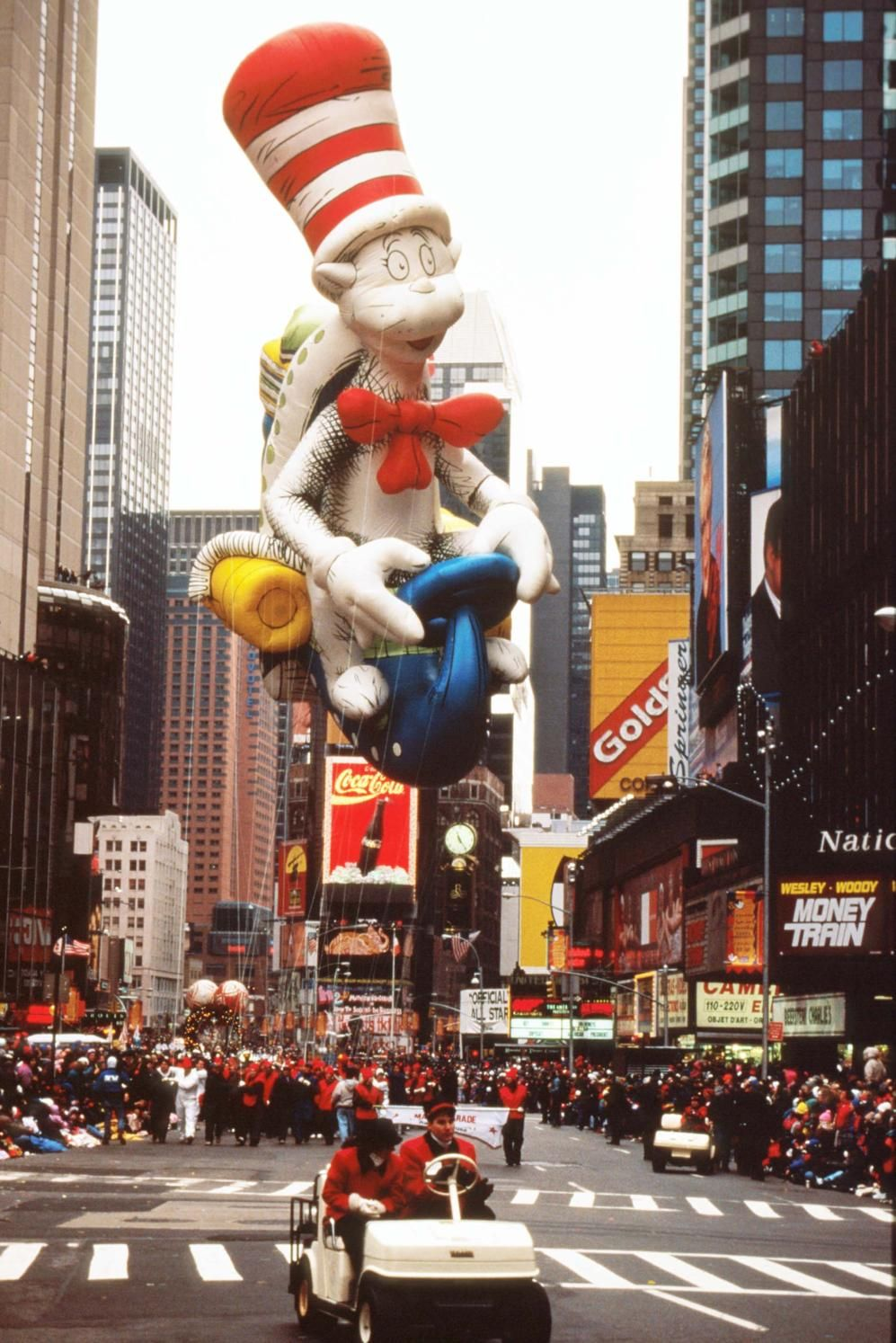 27 Memorable Macy S Thanksgiving Day Parade Balloons In 2020 Macy S Thanksgiving Day Parade Macy S Thanksgiving Day Parade Christmas Parade Floats