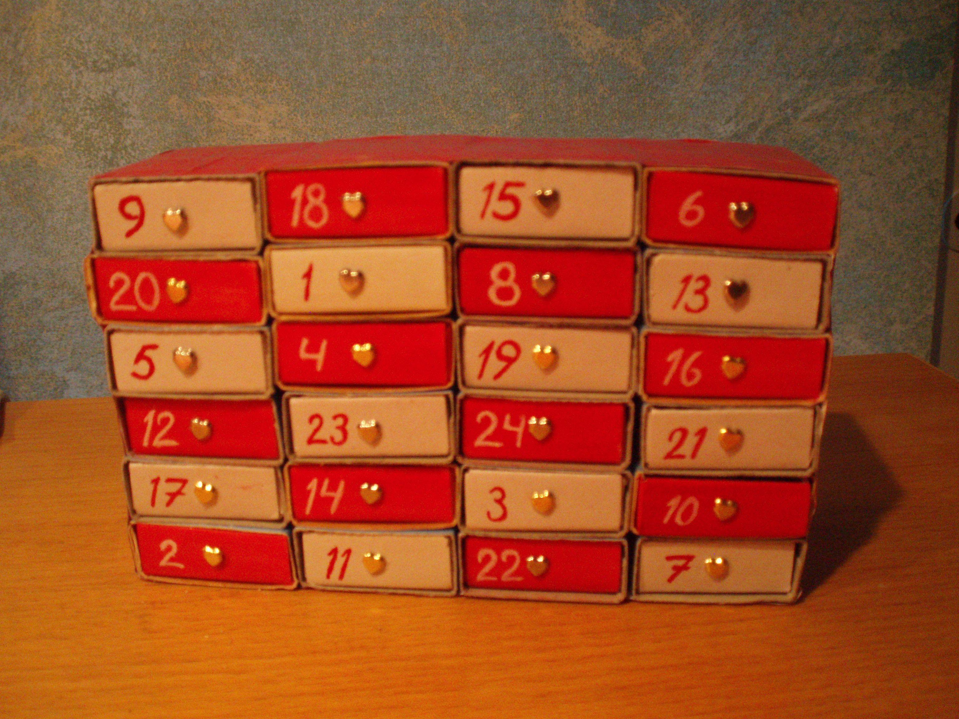 Joulukalenteri tulitikkulaatikoista