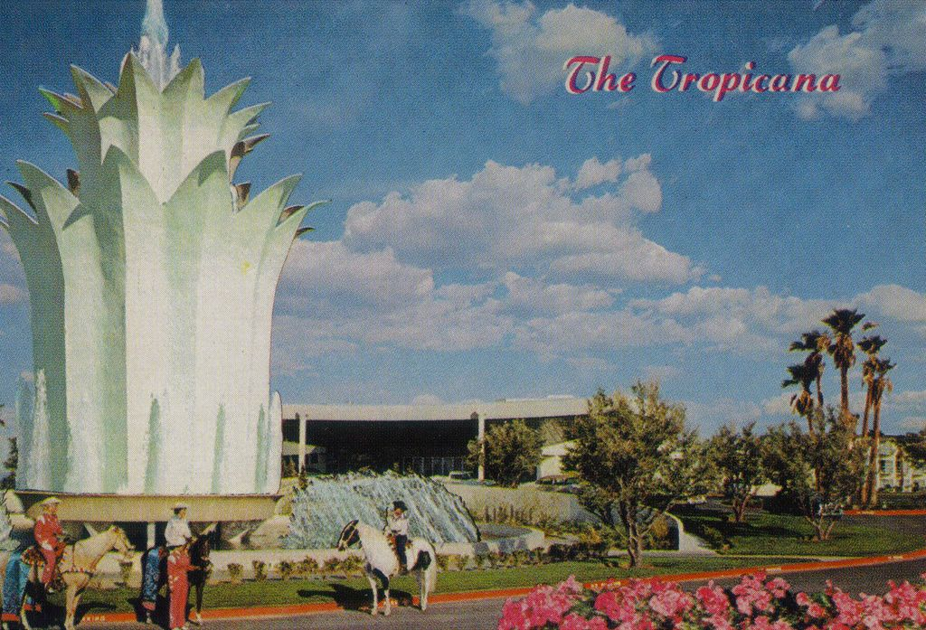 The Tropicana's big fountain is no more! (With images