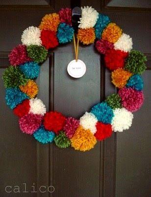 Yo tengo mi pomp n pompones navidad crochet navidad for Coronas navidenas para puertas 2016