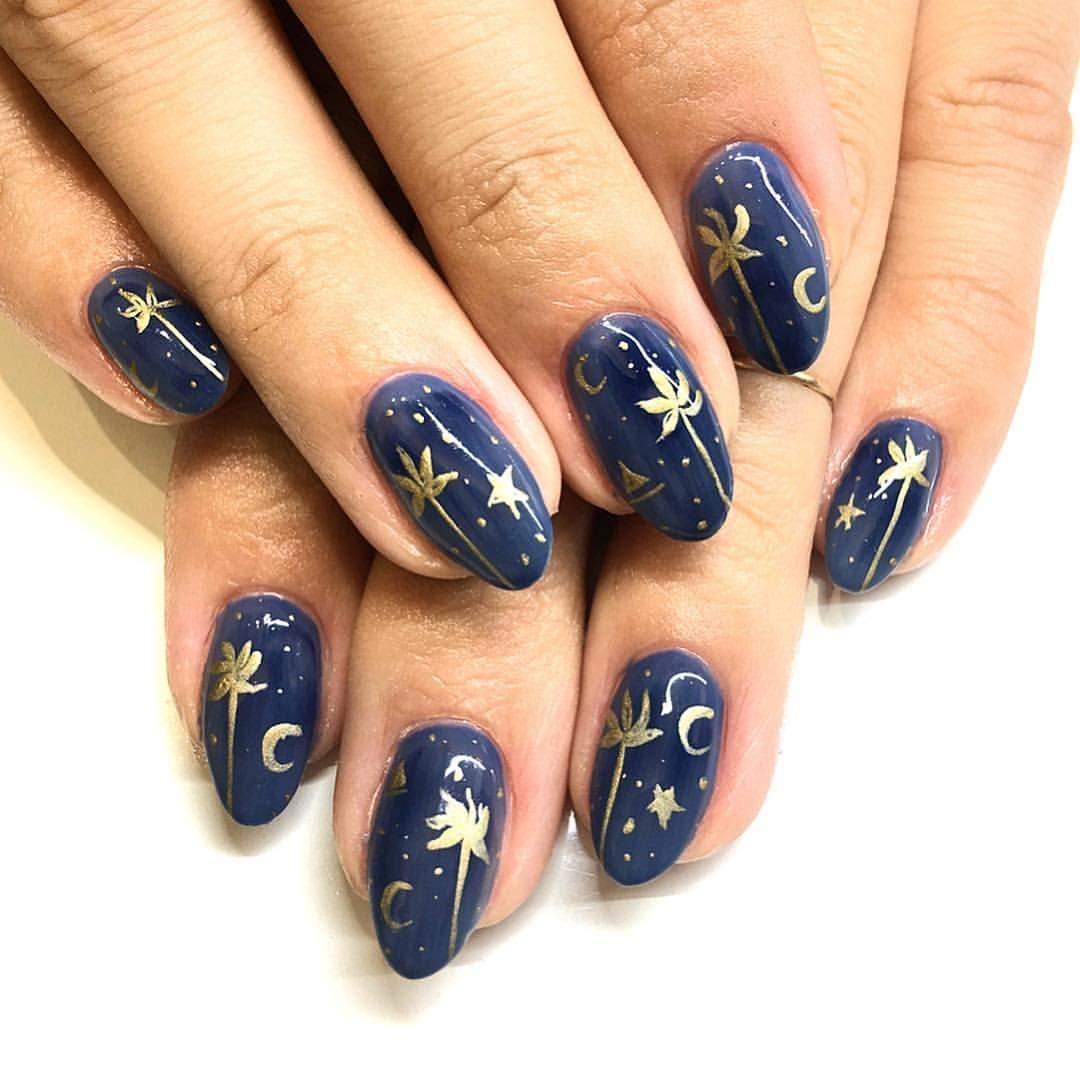 Dark Blue And Gold Palm Trees And Moon Nail Art Moody Winter Nails With Gold Accents Click Through Fo Cute Nail Colors Summer Nails Colors Hair Nails Make Up