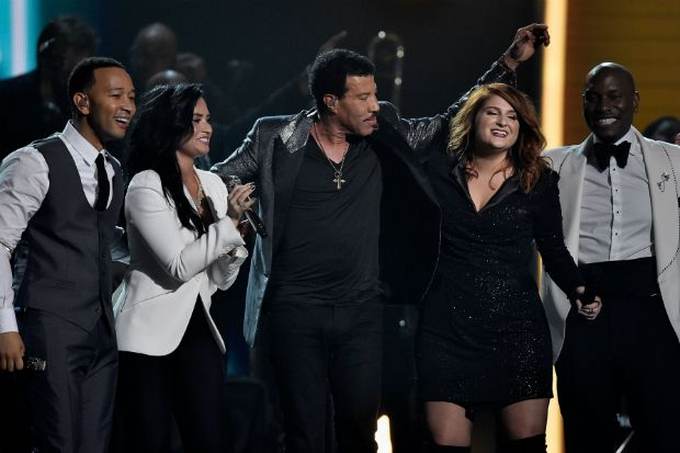 Demi Lovato John Legend Pay Tribute To Lionel Richie Celebuzz John Legend Demi Lovato Lionel Richie
