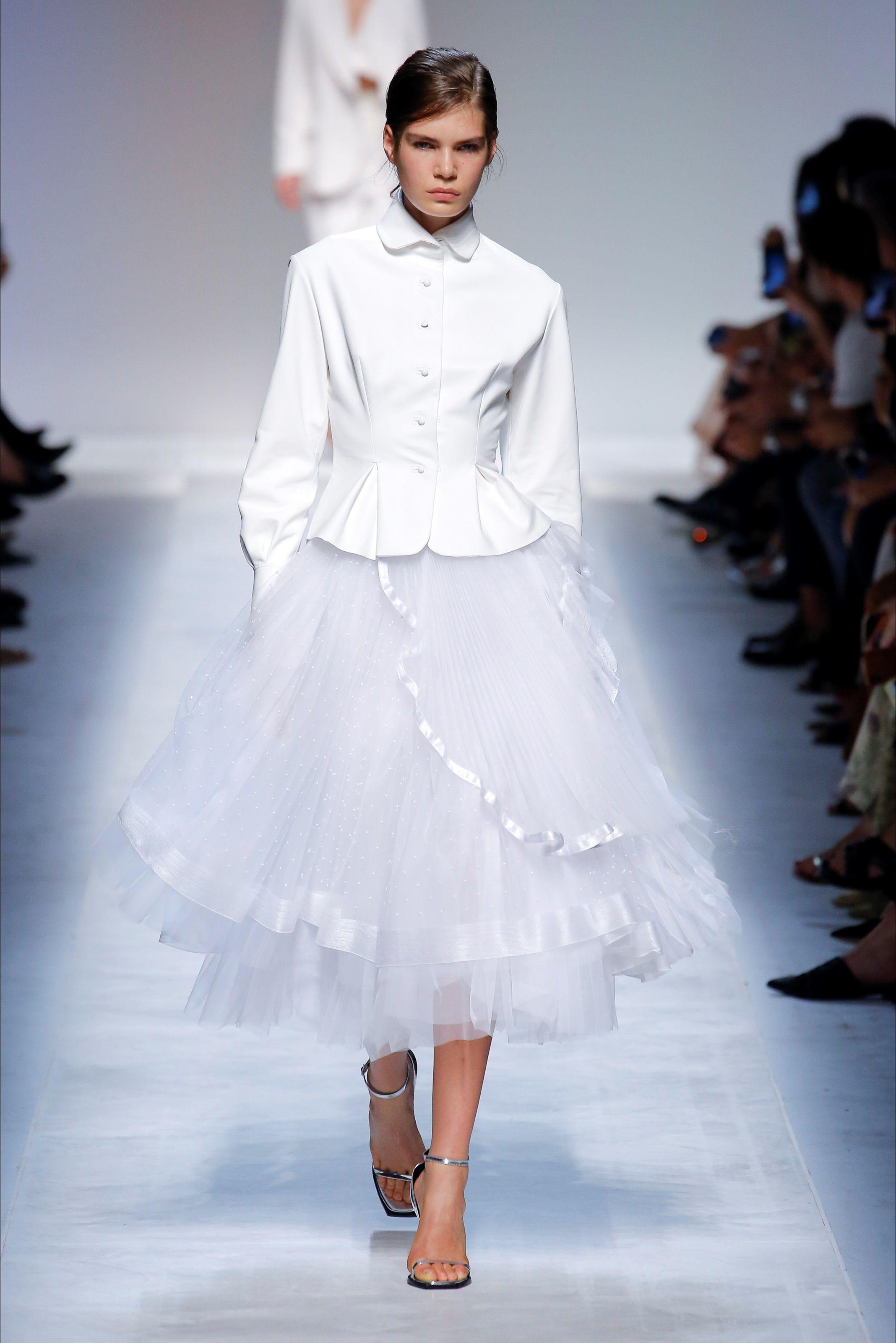 Sfilata Ermanno Scervino Milano - Collezioni Primavera Estate 2019 - Vogue bb1af62737c