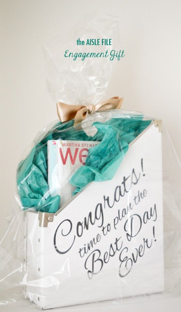 Engagement Gift Idea | //mytrueblu.com/7-engagement- & 7 Engagement Party Gifts | Gifts for the Bride-to-Be | Diy ...