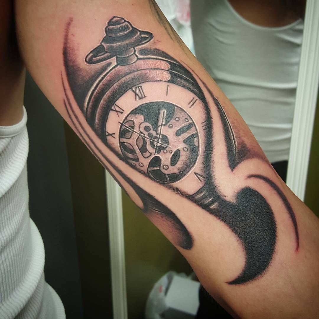 90 Bicep Tattoos For Men – Masculine Muscle Design Ideas