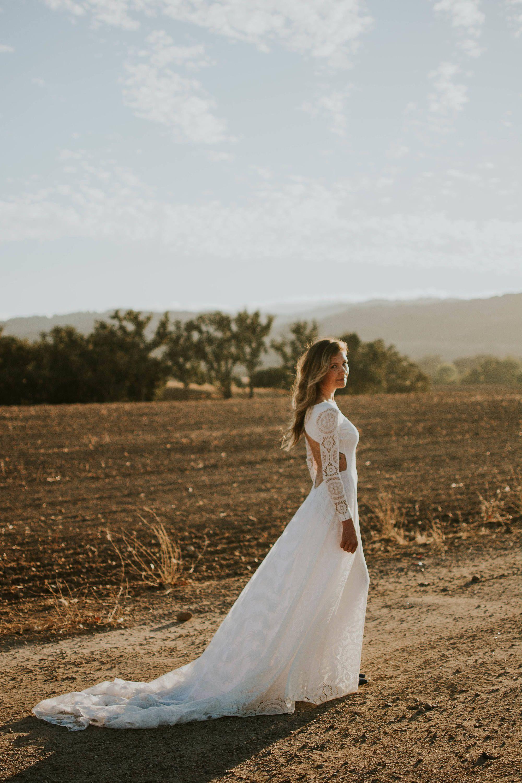 9 Awesome Diy Ideas Wedding Dresses With Bling Corset Straps Slimwedding Modern Art Deco Modest Sophisticated: Diy Corset Wedding Dresses At Reisefeber.org
