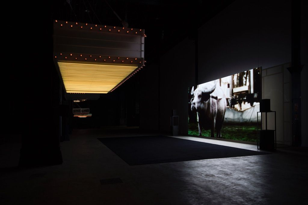 Philippe Parreno - Hypothesis - veduta della mostra presso HangarBicocca, Milano 2015 - Courtesy of the Artist; Pilar Corrias Gallery; Gladstone Gallery; Esther Schipper; Fondazione HangarBicocca, Milano - photo © Andrea Rossetti