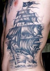 Taatoo D Un Vaisseau Pirates Fantome Tatuajes De Barcos Tatuaje De Nave Tatuajes Nauticos