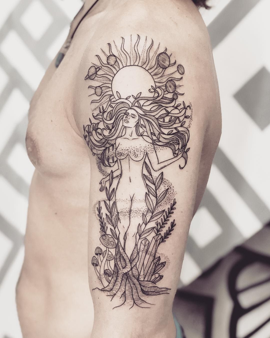 "ॐ 𝐓 . 𝐑 𝐀 𝐃 𝐙 on Instagram: ""Gaia goddess on Josh! Another magical session done at the @karmahousebali 😌✨And thank you for traveling, you legend!"""