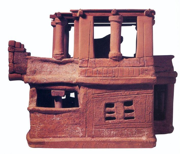 Modellino in terracotta di casa cretese, XVIII-XVII secolo a. C., civiltà minoica (periodo protopalaziale), da Archanes. Iraklion, Museo archeologgico