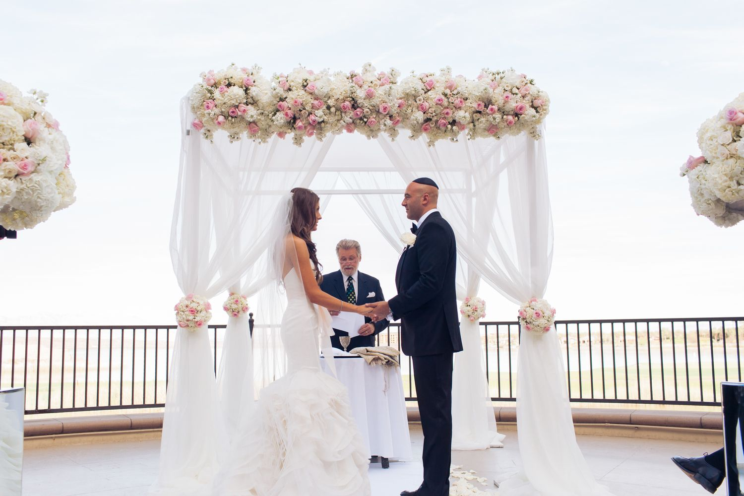 Stephanie and Justin\'s Stunningly Romantic Grey and White Wedding at ...