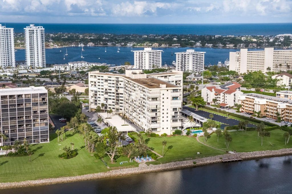 5586a08bc31c3b34f7f34c660ba1f659 - Luxury Apartments For Rent In Palm Beach Gardens