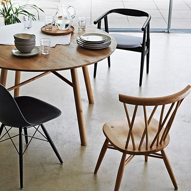 Small Wood Table And Chairs: Round Wooden Dining Tables For Small Rooms
