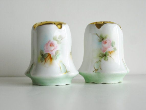 Hey, I found this really awesome Etsy listing at https://www.etsy.com/listing/186589679/vintage-porcelain-salt-pepper-shakers