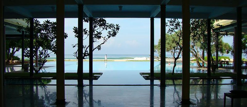 By geoffrey bawa srilankan architecture pinterest for Courtyard designs in sri lanka