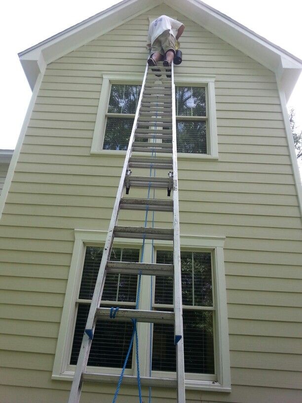 Sensational Painting On A 40 Ft Ladder Finishing Up Painting Exterior Download Free Architecture Designs Ferenbritishbridgeorg