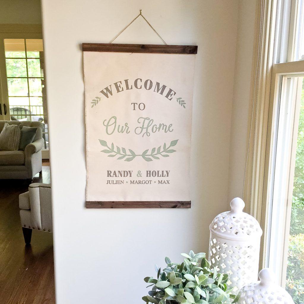 laurel wreath welcome sign