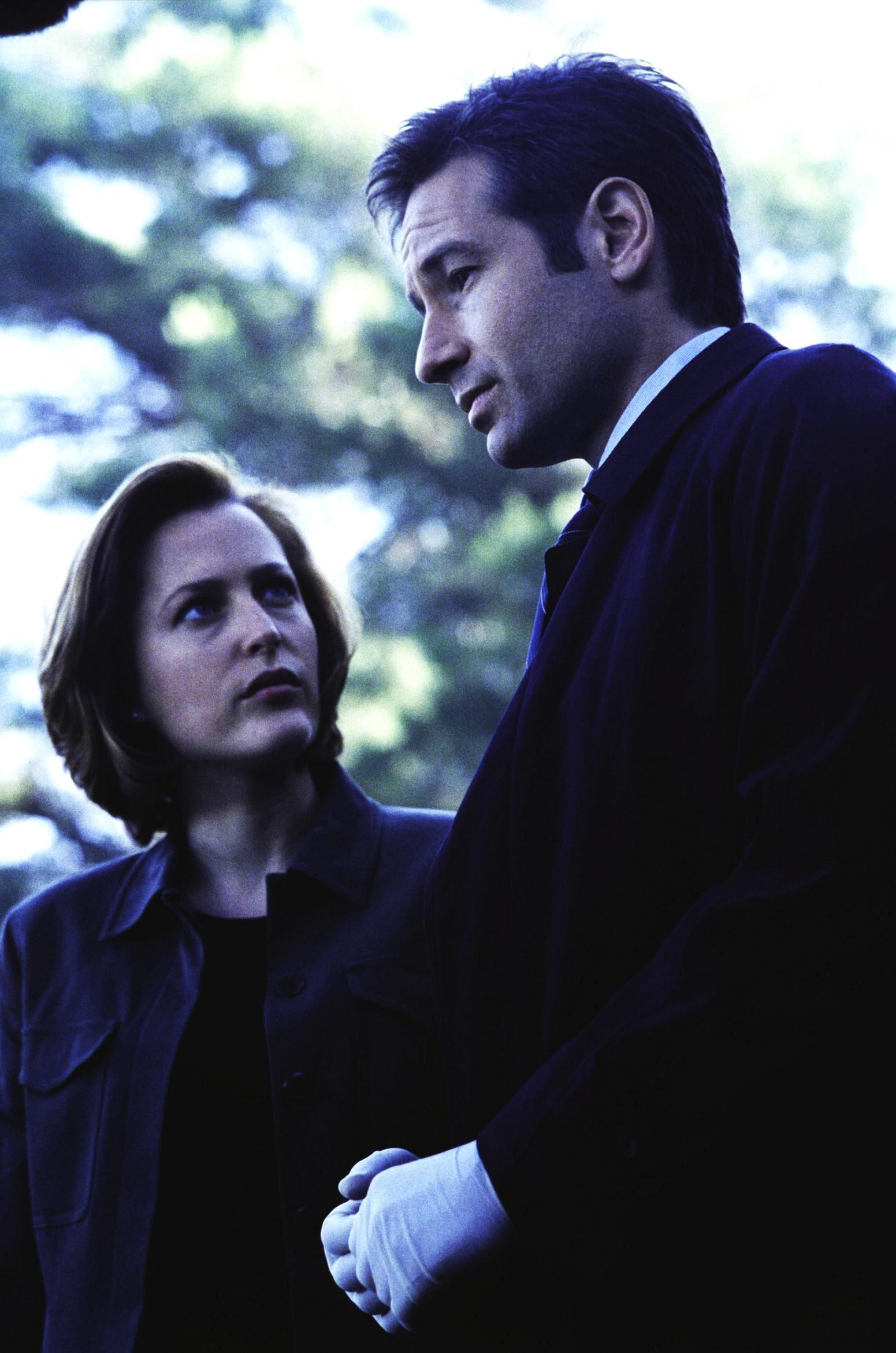 Mulder and Scully - Millenium. Please remain silent while the Spooks is thinking.