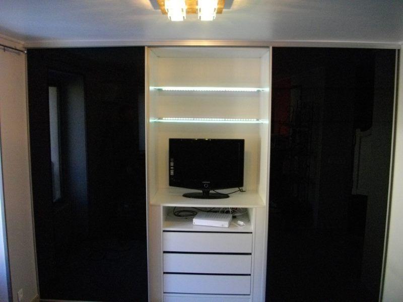 construction d un placard sur mesure maison dressing placard pinterest placard sur. Black Bedroom Furniture Sets. Home Design Ideas