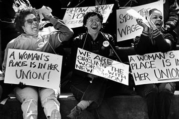 12 Powerful Images Of Women In The Labor Movement Day And Mood Workers Rights Female Images