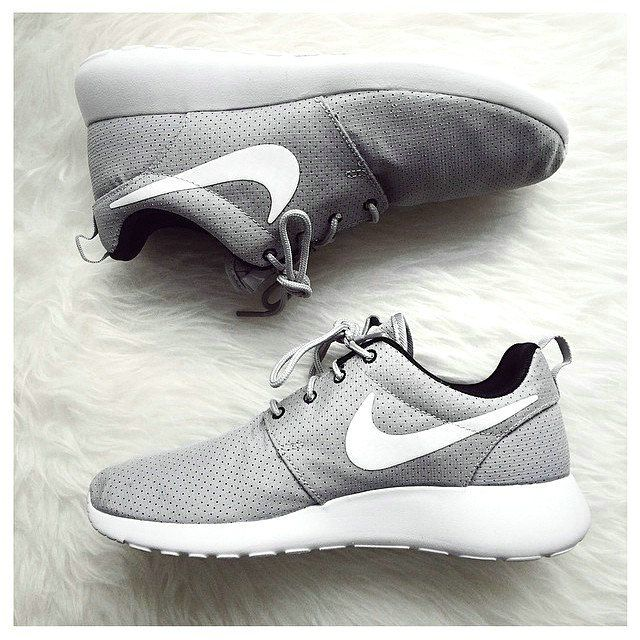 new product 1caf8 a6cb2 NIKE Women Men Running Sport Casual Shoes Sneakers BLACK