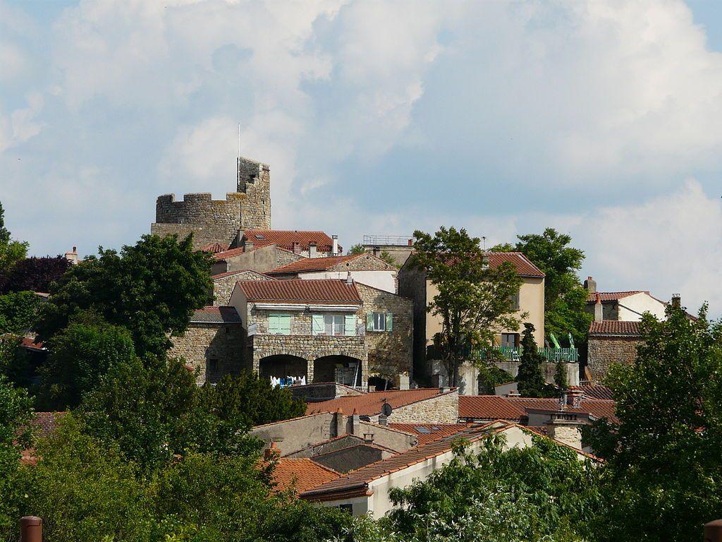 Живописная Франция:средневековая деревня Монпейру. Обсуждение на LiveInternet - Российский Сервис Онлайн-Дневников