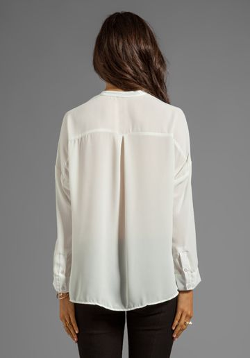 92100f91ad91e1 EIGHT SIXTY Wrap Blouse in White - Eight Sixty | Ropa in 2019 ...