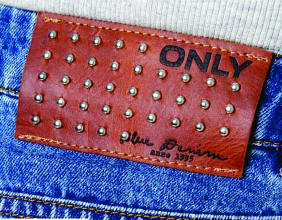 etiqueta de cintura para jeans Only.
