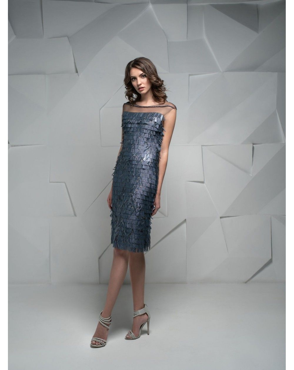 Luxusné krátke šaty na večierky b3baf99e90c