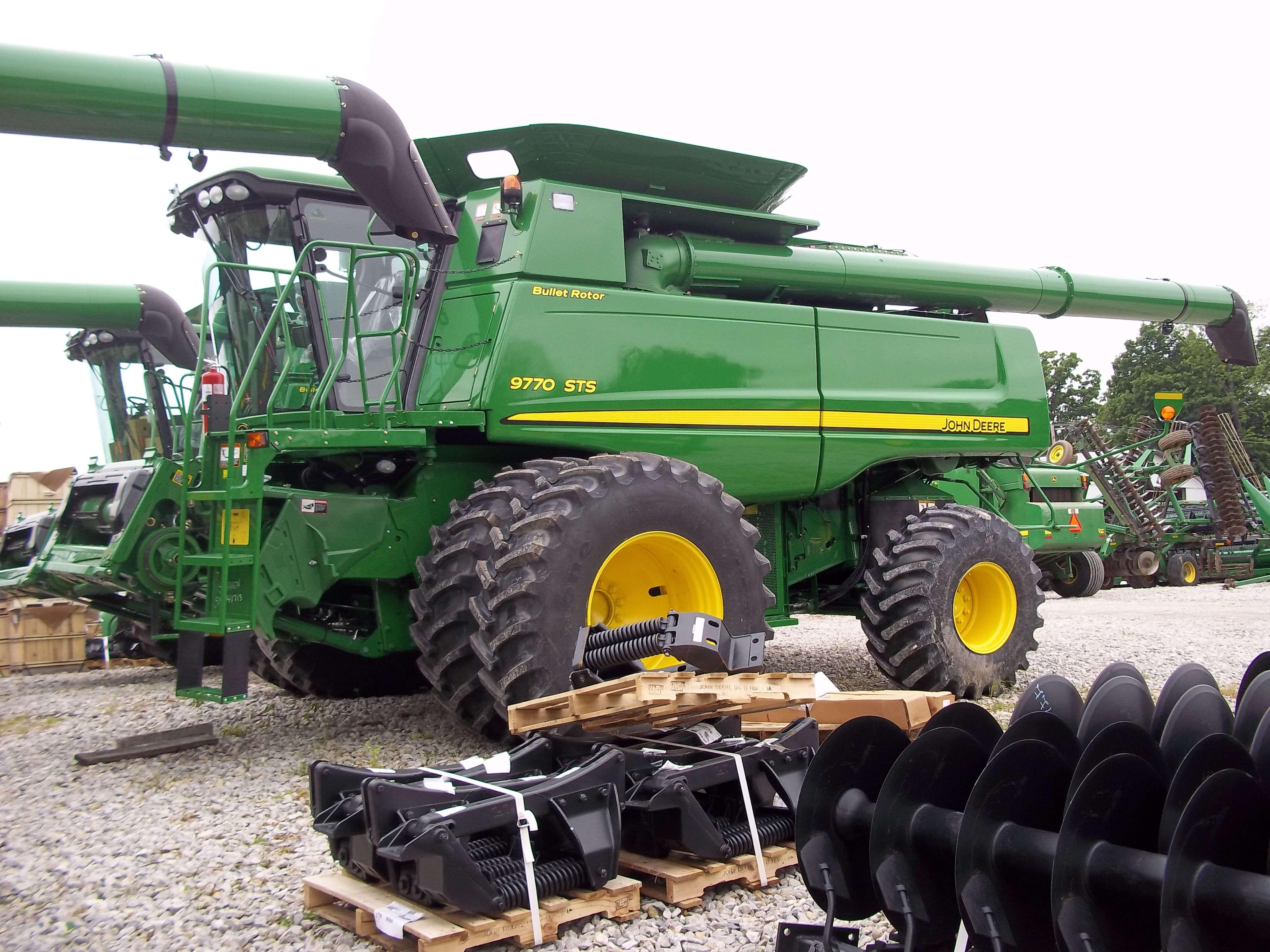 John Deere 9770 STS Bullet Rotor from May 2011