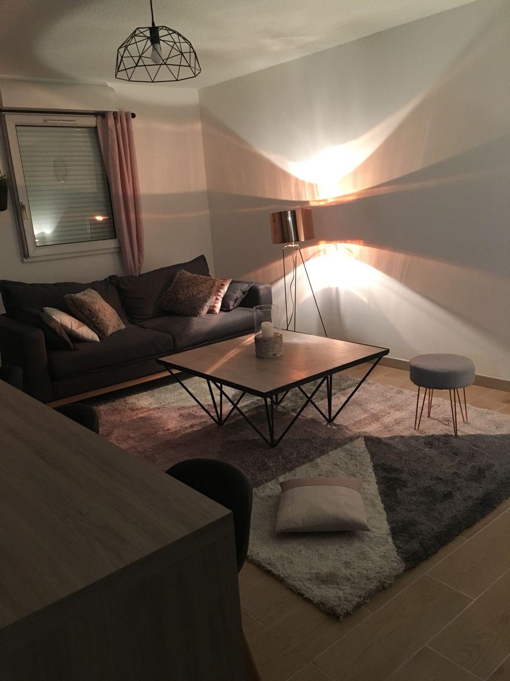 Salon scandinave rose et gris | Dekorashon | Pink grey, Room ...