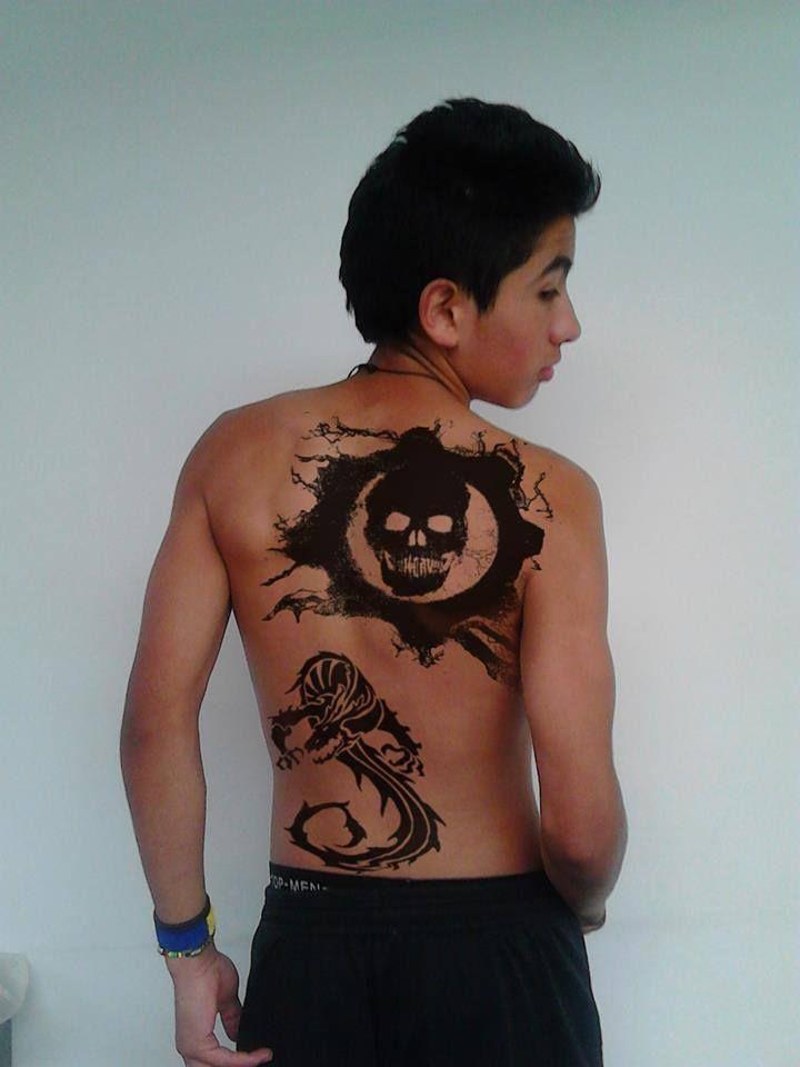 Esta es un fotografía editada en photoshop, tratando de lograr un efecto de tatuaje real.