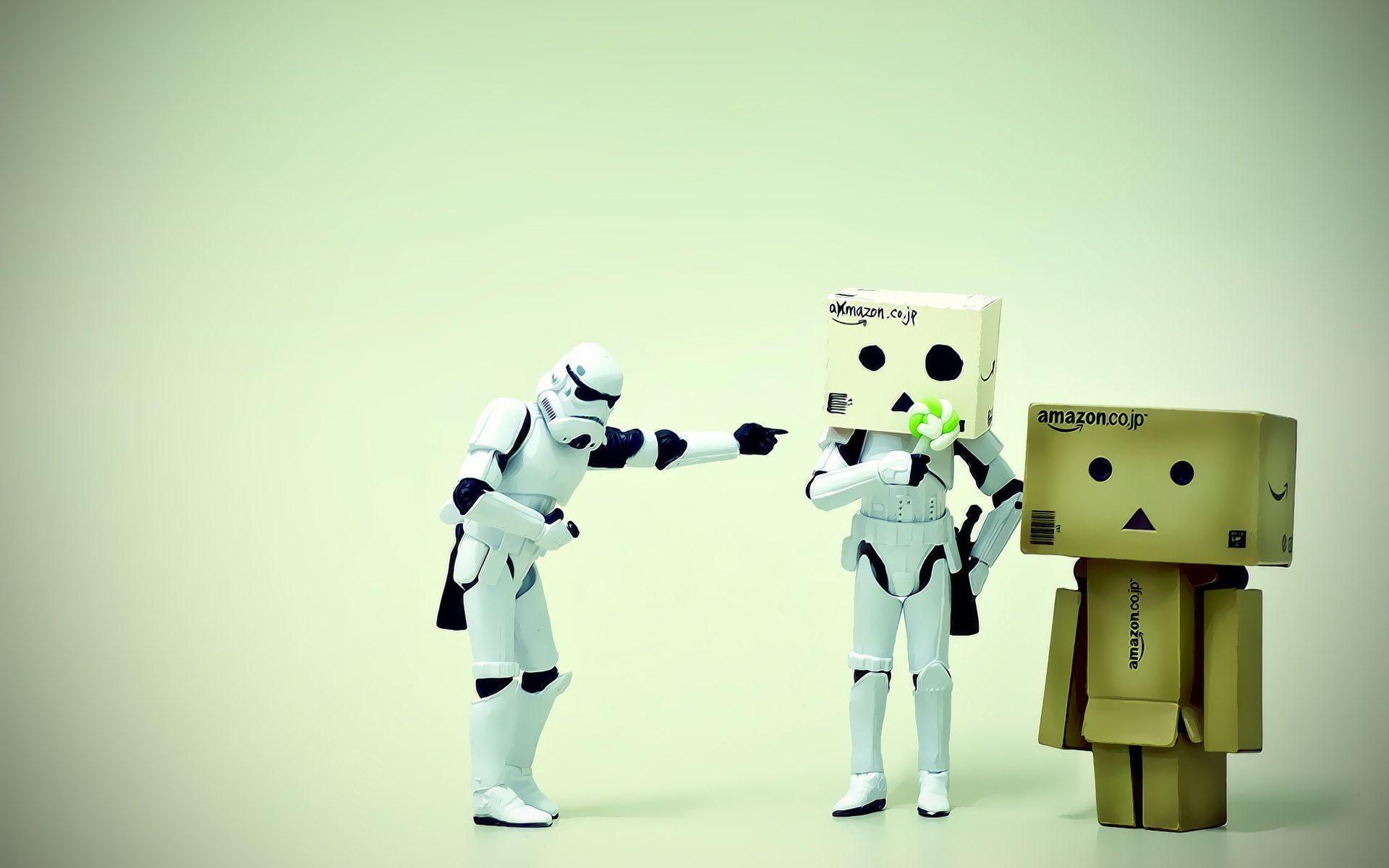 Stormtrooper Danboard! | Danboard | Danbo, Cardboard robot, Table lamp