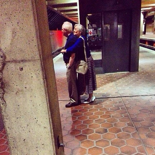 Nothing like a good ole hug!  God Bless these lovers!  (: