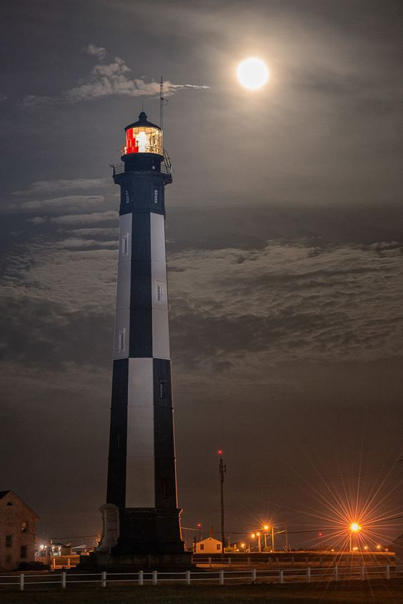 Cape Henry Lighthouse and the Supermoon (Virginia Beach)