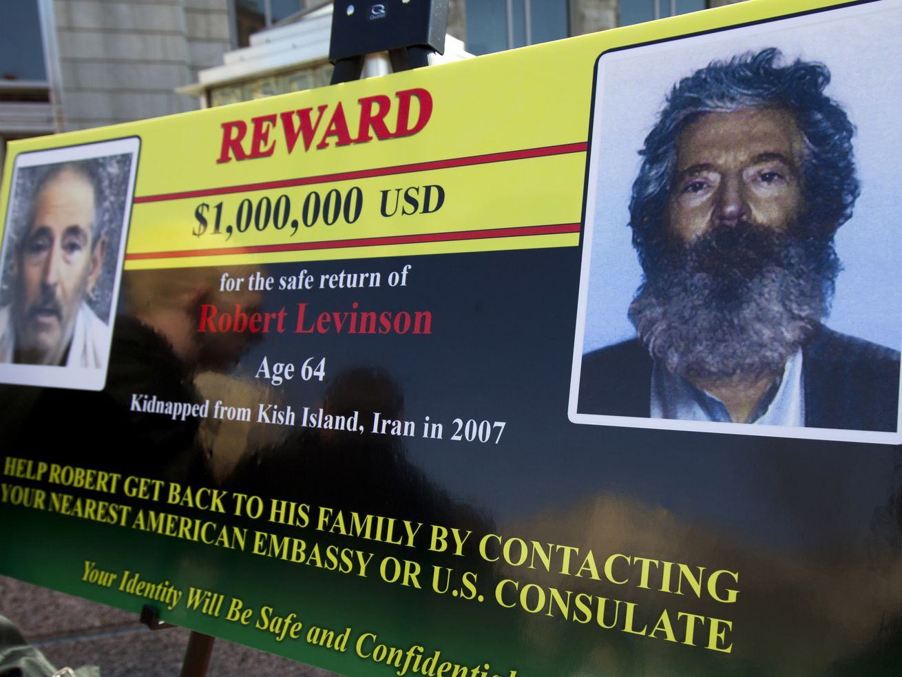 U.S. believes exFBI agent Robert Levinson has died in