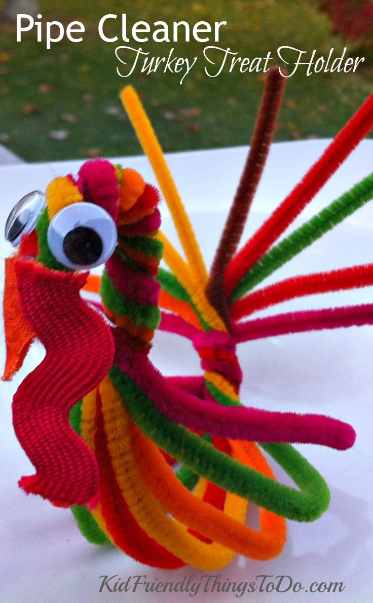 Pipe Cleaner Turkey For a Treat Holder and Thanksgiving Craft - super cute and so easy to make! Perfect for Thanksgiving parties! & Pipe Cleaner Turkey For a Treat Holder and Thanksgiving Craft ...