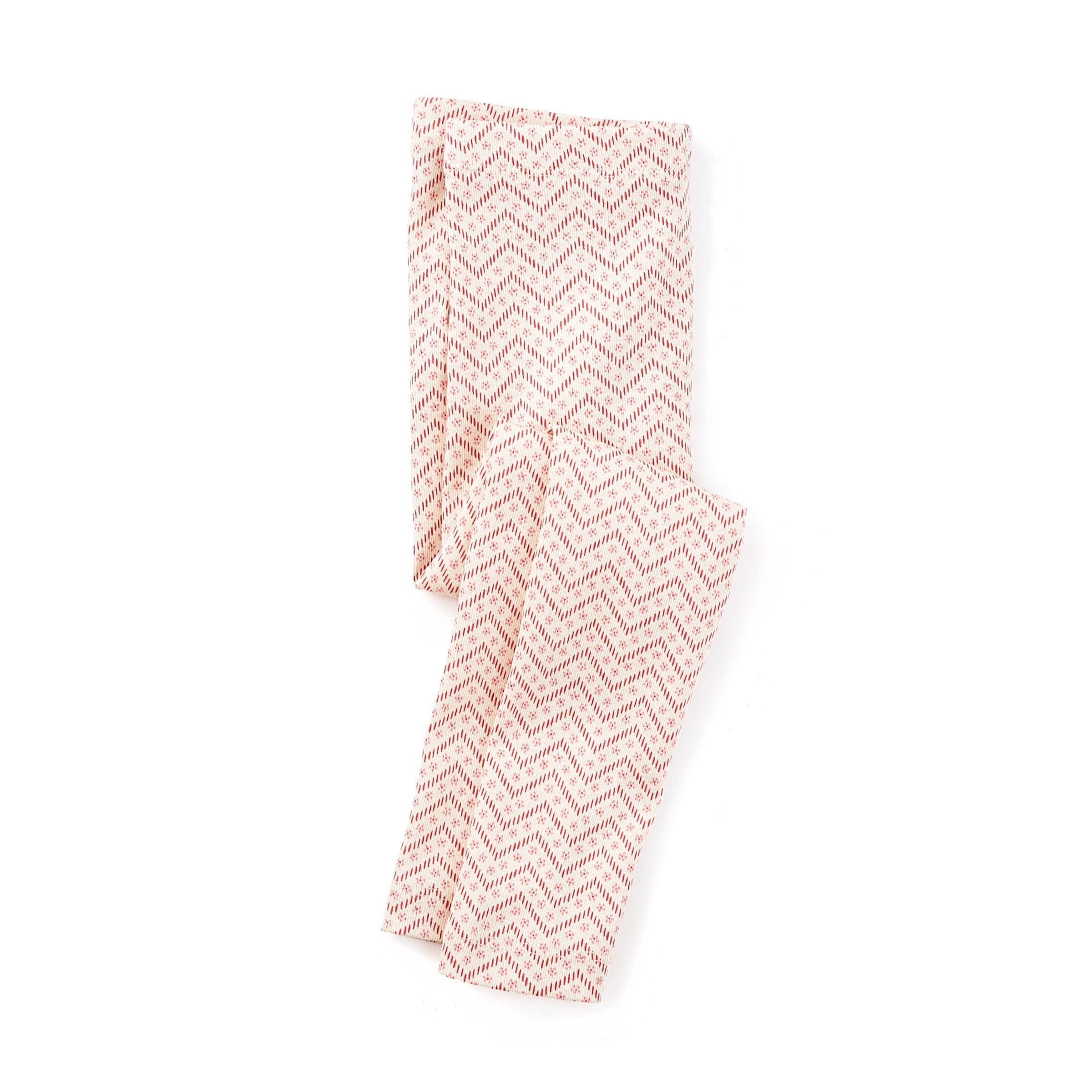 She'll love these leggings for their fashionably fun zig zag pattern and oh-so-stretchy style.