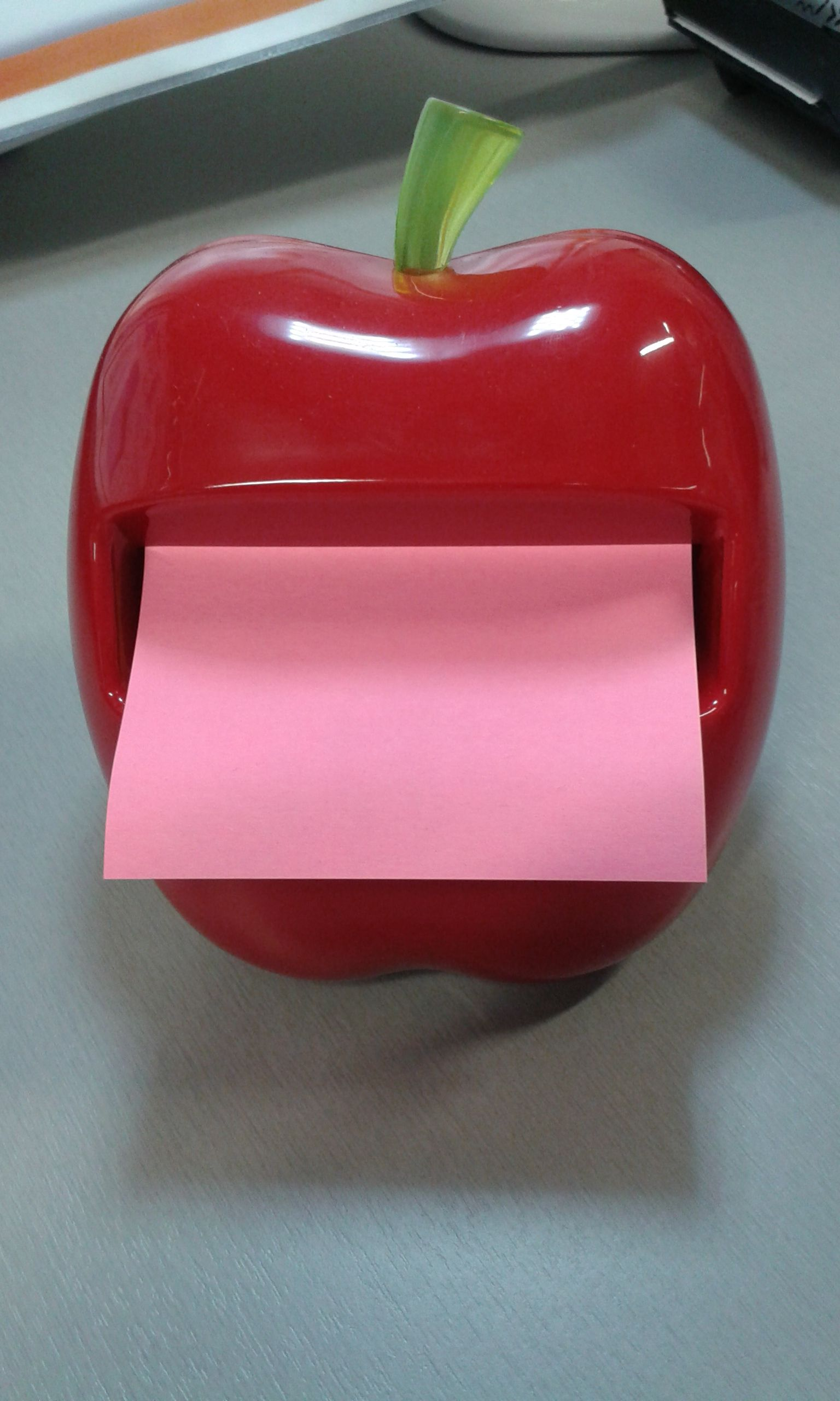 Omenainen muistilappuannostelija! Toimistotarvikkeet