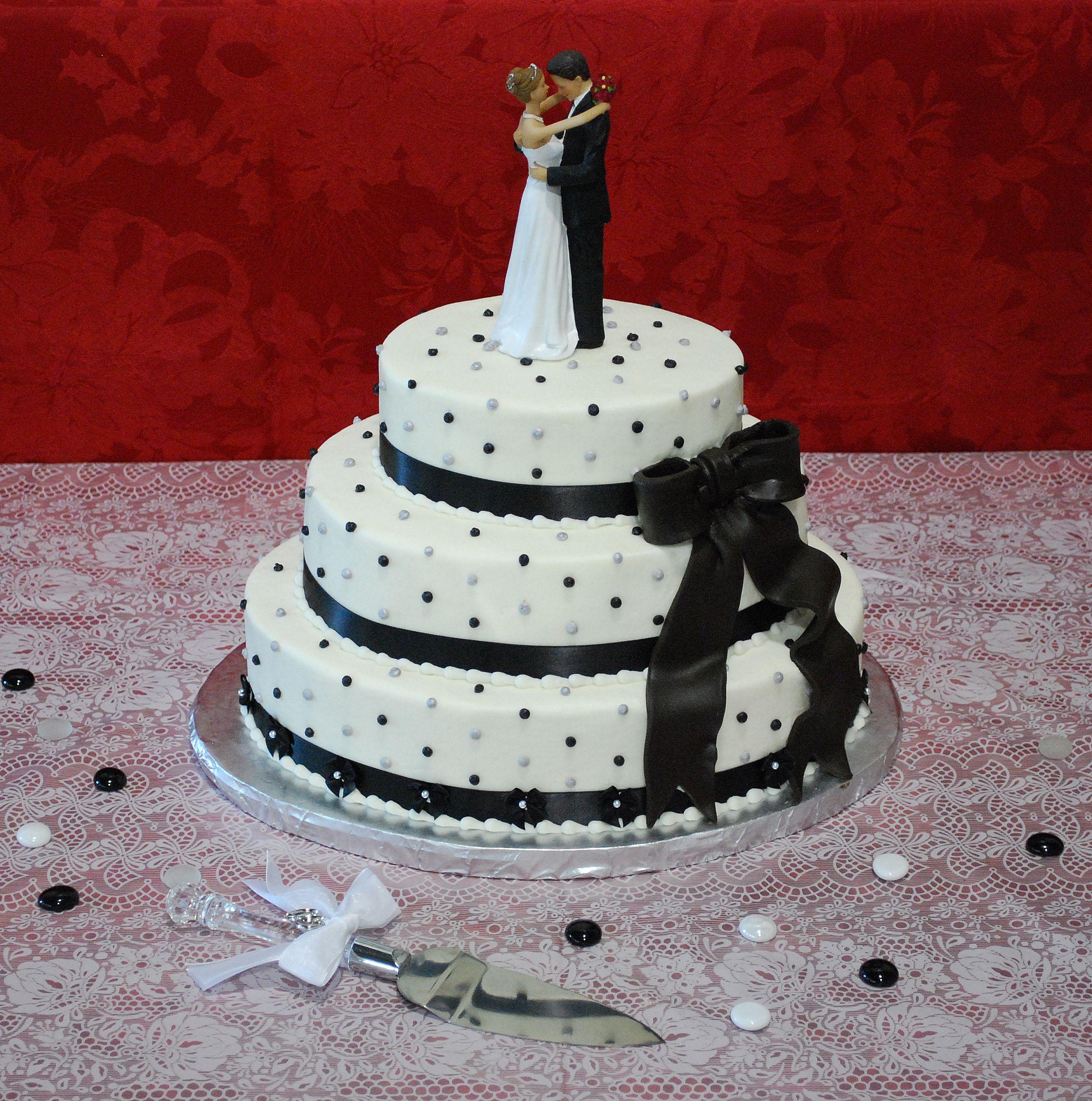 Oval Wedding Cake Black White Red Interesting Diagonal Design Of The