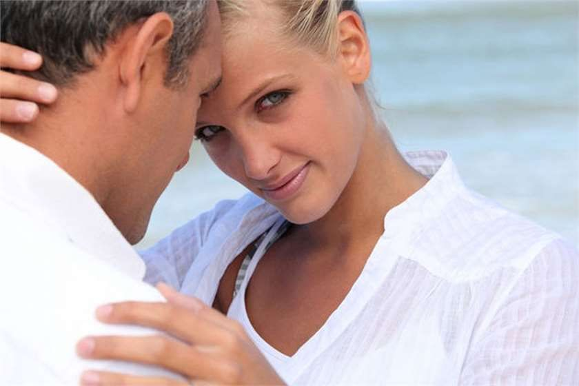 Looking for advice on how you can seduce an older man? You