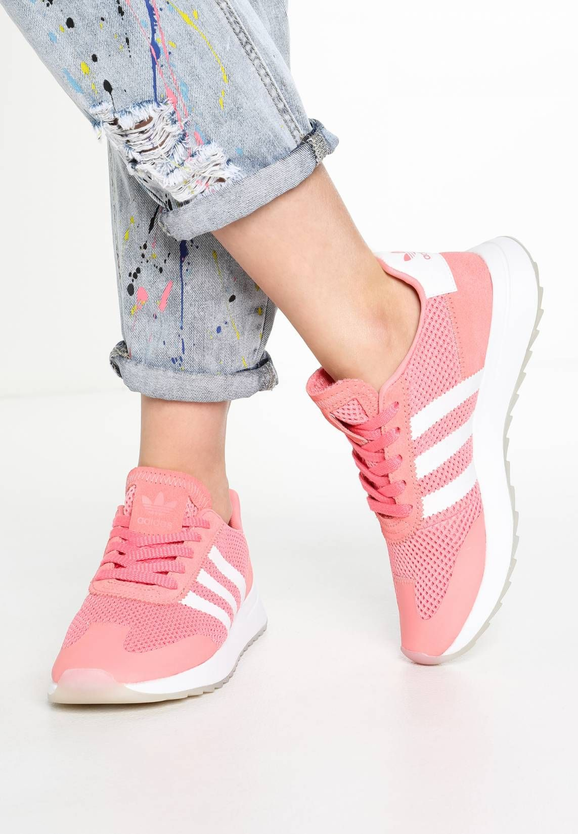 adidas Originals. FLASHBACK - Trainers - tactile rose pearl grey.  Pattern Print. Care instructions treat with a suitable protector before  wear. b84de05784c